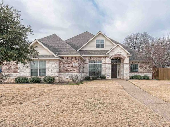 3 bed 2 bath Single Family at 112 Sterling Rdg Mc Gregor, TX, 76657 is for sale at 254k - 1 of 26