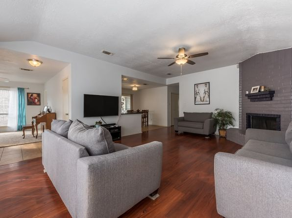 3 bed 2 bath Single Family at 10902 Berry Tree Dr Houston, TX, 77064 is for sale at 140k - 1 of 18