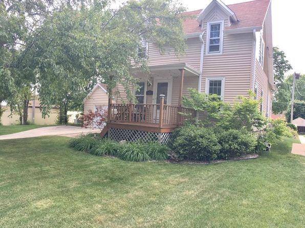 3 bed 1 bath Single Family at 3127 N 90th St Milwaukee, WI, 53222 is for sale at 159k - 1 of 26