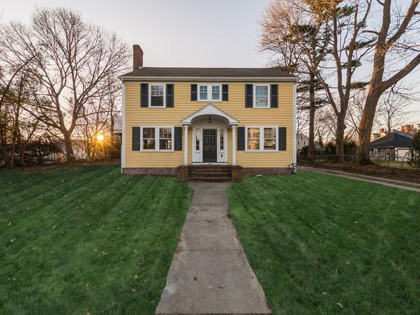 3 bed 2 bath Single Family at 88 GREEN ST FAIRHAVEN, MA, 02719 is for sale at 469k - 1 of 29