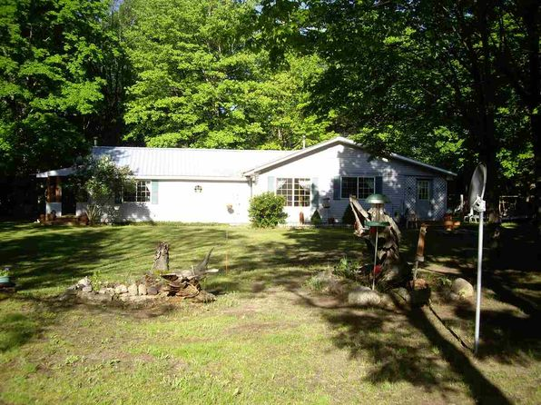 3 bed 1 bath Single Family at N3467 16 Mile Lake Rd Munising, MI, 49862 is for sale at 110k - 1 of 17