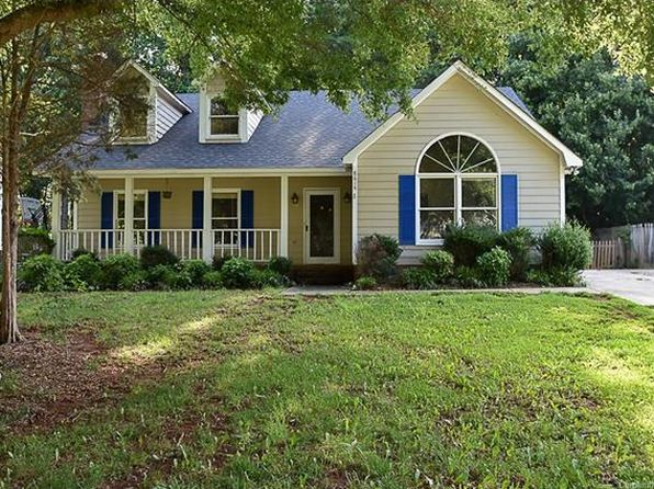 3 bed 3 bath Single Family at 8614 Hornwood Ct Charlotte, NC, 28215 is for sale at 135k - 1 of 24