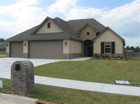 3 bed 2 bath Single Family at 25257 Shade Tree Ct Claremore, OK, 74019 is for sale at 214k - 1 of 13