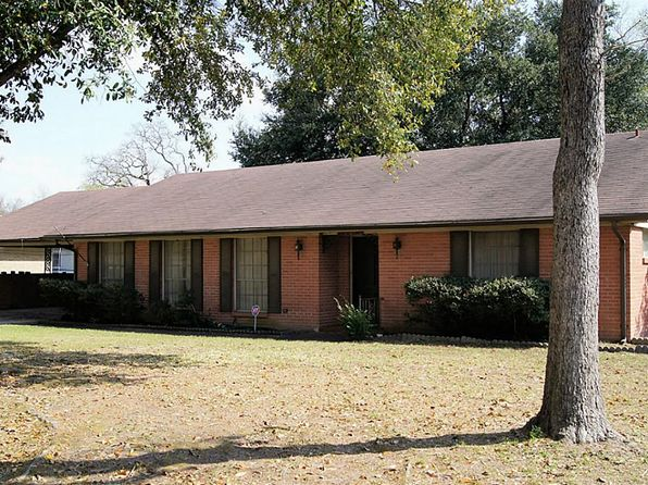 3 bed 2 bath Single Family at 205 W Limit St Madisonville, TX, 77864 is for sale at 125k - google static map