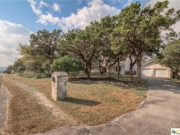 4 bed 3 bath Single Family at 5735 CIRCLE OAK DR BULVERDE, TX, 78163 is for sale at 315k - 1 of 25