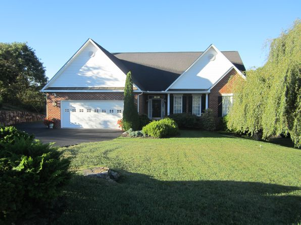 4 bed 3 bath Single Family at 134 Summit Ridge Rd Daleville, VA, 24083 is for sale at 393k - 1 of 22