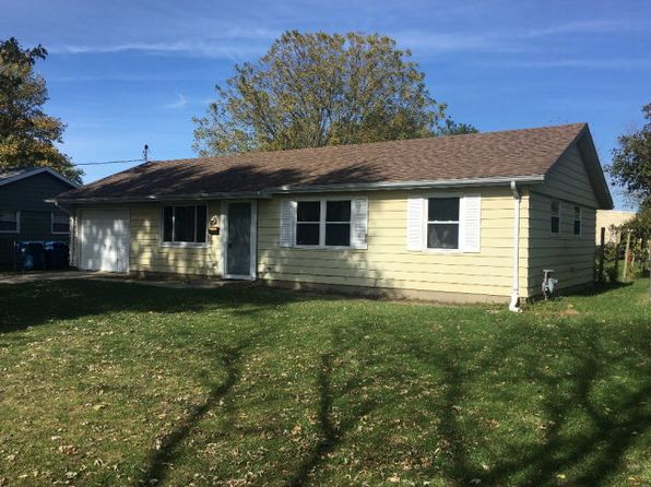 3 bed 1 bath Single Family at 916 E Young Ave Hoopeston, IL, 60942 is for sale at 68k - 1 of 16