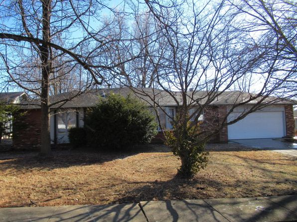 3 bed 2 bath Single Family at 1350 E Holiday St Springfield, MO, 65804 is for sale at 135k - 1 of 19