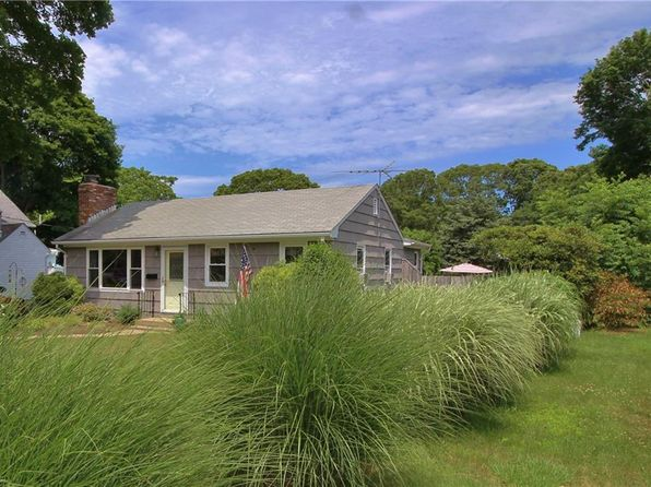 2 bed 1 bath Single Family at 105 Whitford St South Kingstown, RI, 02879 is for sale at 268k - 1 of 21