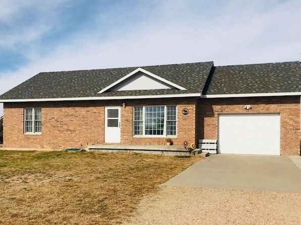 2 bed 2 bath Single Family at 2004 N CHMELKA RD GARDEN CITY, KS, 67846 is for sale at 185k - 1 of 20