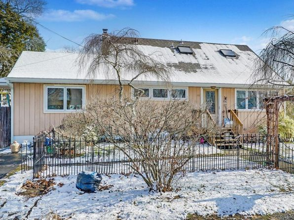 4 bed 2 bath Single Family at 111 Harding Dr Brick, NJ, 08724 is for sale at 269k - 1 of 25