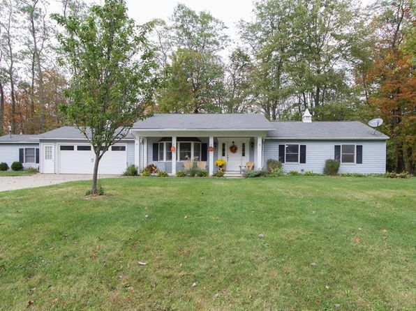3 bed 2 bath Single Family at 54 Ledge Rd Hinckley, OH, 44233 is for sale at 265k - 1 of 28
