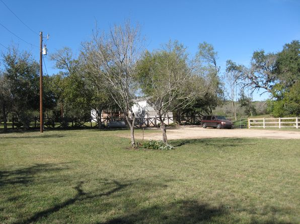 3 bed 2 bath Mobile / Manufactured at 118 County Road 5607 Castroville, TX, 78009 is for sale at 150k - 1 of 27