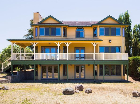 3 bed 4 bath Single Family at 1333 Pepper Rd Petaluma, CA, 94952 is for sale at 1.73m - 1 of 27