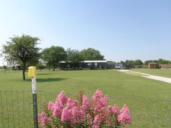 2 bed 2 bath Mobile / Manufactured at 488 Chisholm Hills Dr Rhome, TX, 76078 is for sale at 149k - 1 of 27