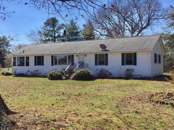 3 bed 1 bath Single Family at 1015 BROWNS LN URBANNA, VA, 23175 is for sale at 320k - 1 of 21