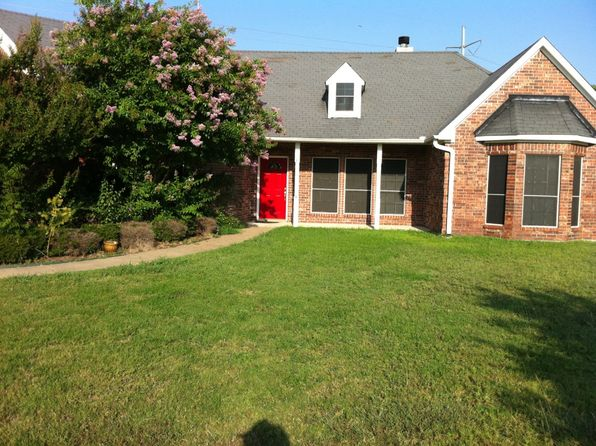3 bed 2 bath Single Family at 141 Bella Vista Cir Royse City, TX, 75189 is for sale at 250k - 1 of 6