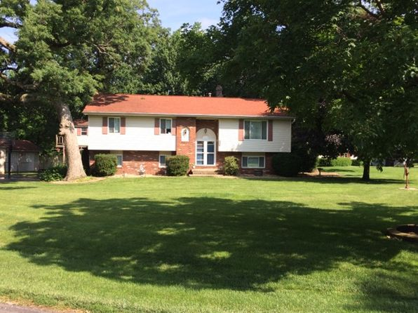 3 bed 3 bath Single Family at 2240 Thunderbird Dr Decatur, IL, 62526 is for sale at 169k - 1 of 11