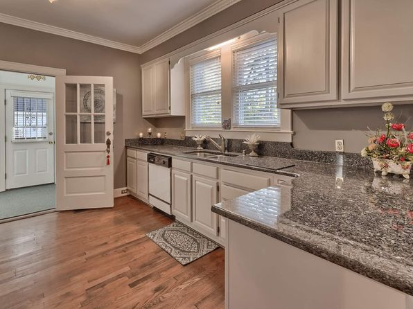 3 bed 3 bath Single Family at 120 S WOODROW ST COLUMBIA, SC, 29205 is for sale at 399k - 1 of 33