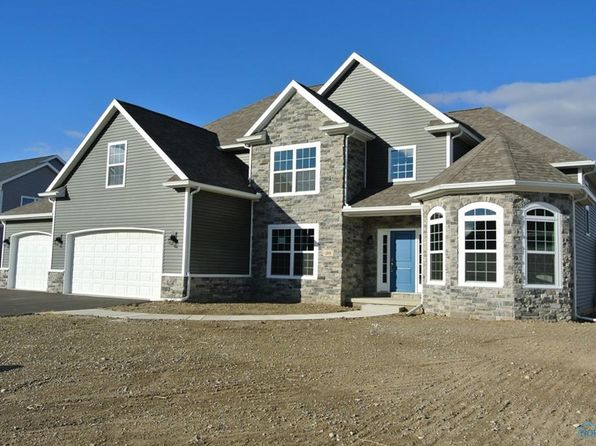 4 bed 3 bath Single Family at 109 Taylors Mill Cir Perrysburg, OH, 43551 is for sale at 416k - 1 of 2