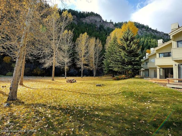 3 bed 2.5 bath Townhouse at 524 Wood River Dr Unit: Ketchum, ID, 83340 is for sale at 889k - 1 of 23
