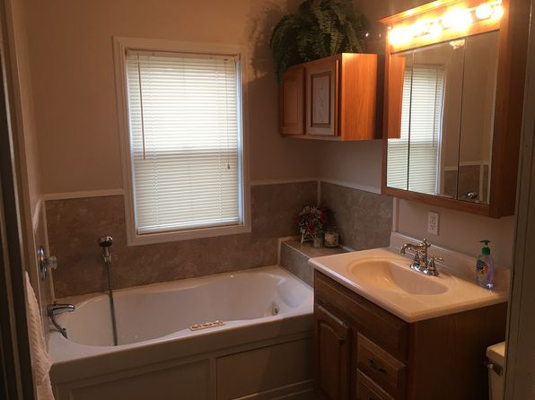 3 bed 2 bath Single Family at 21 Ohio St SW Navarre, OH, 44662 is for sale at 110k - 1 of 17