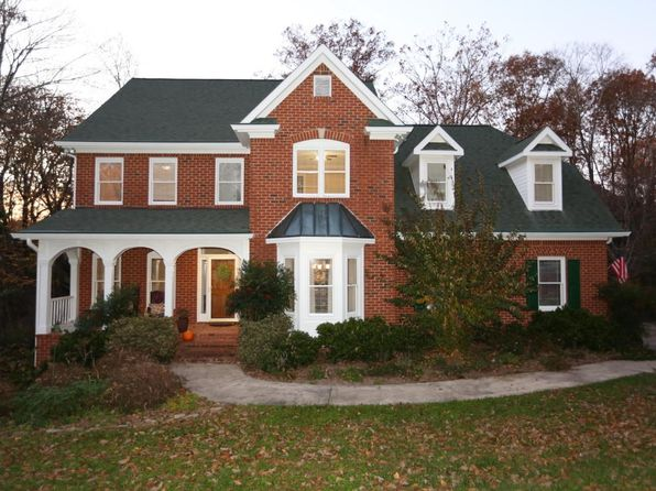 5 bed 5 bath Single Family at 2913 Blue Teal Ln Signal Mountain, TN, 37377 is for sale at 390k - 1 of 24
