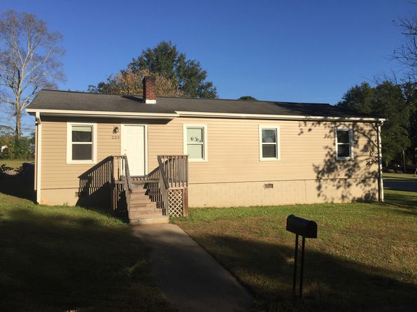 3 bed 2 bath Single Family at 229 Hollywood St Forest City, NC, 28043 is for sale at 115k - 1 of 3
