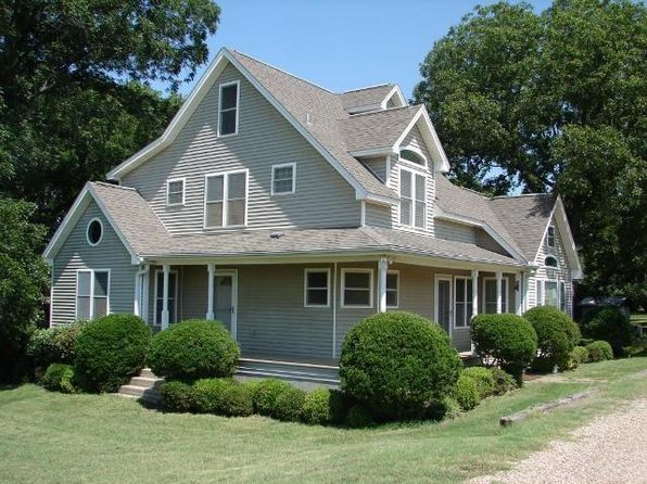 4 bed 3 bath Single Family at 658 Maddox Ln Saint Jo, TX, 76265 is for sale at 455k - 1 of 15