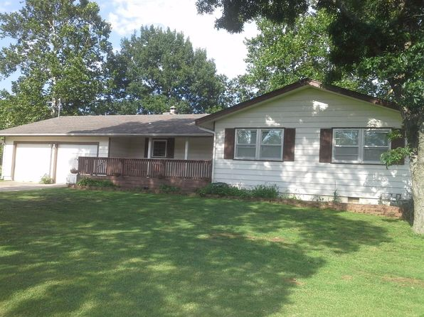3 bed 2 bath Single Family at 23120 Oakwood Pl Chanute, KS, 66720 is for sale at 132k - 1 of 17