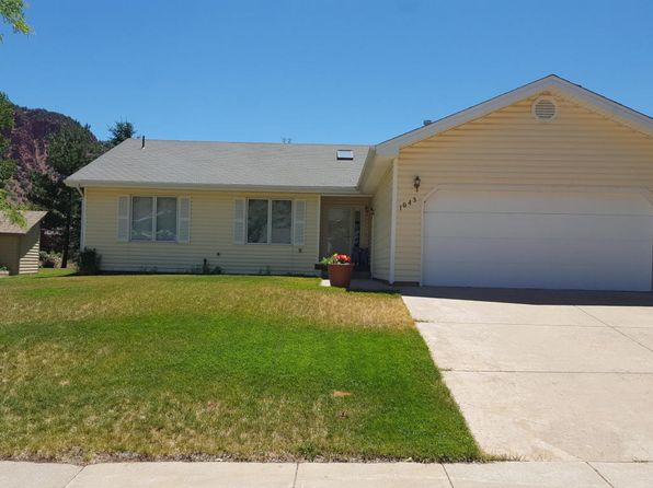 5 bed 3 bath Single Family at 1043 Park West Dr Glenwood Springs, CO, 81601 is for sale at 599k - 1 of 12