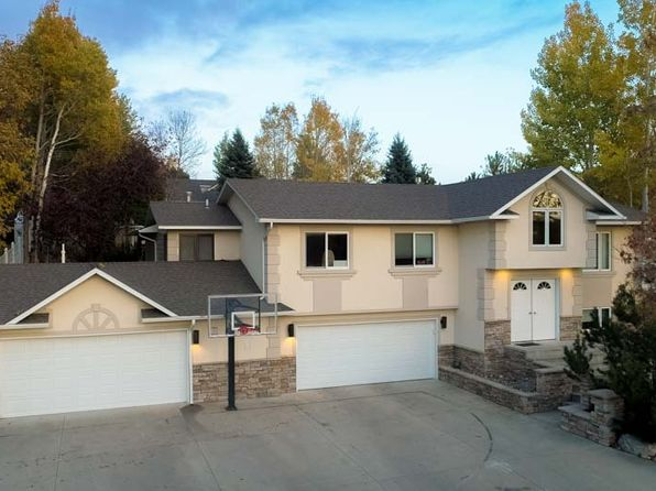 4 bed 3 bath Single Family at 2405 Brook Hollow Dr Billings, MT, 59105 is for sale at 350k - 1 of 21