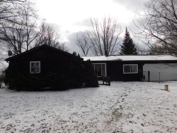 3 bed 1 bath Single Family at 2207 Hickory Rd Delton, MI, 49046 is for sale at 110k - 1 of 22