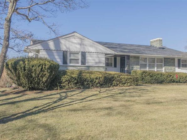 3 bed 2 bath Single Family at 203 10th St Radford, VA, 24141 is for sale at 190k - 1 of 31