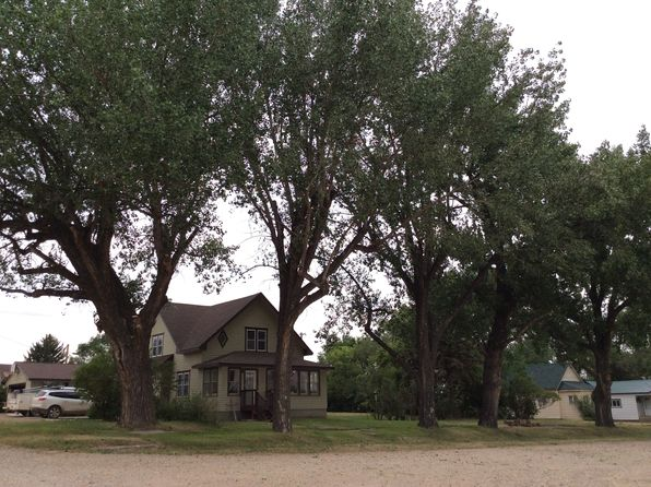 4 bed 3 bath Single Family at 12 Flynn Bainville, MT, 59212 is for sale at 230k - google static map
