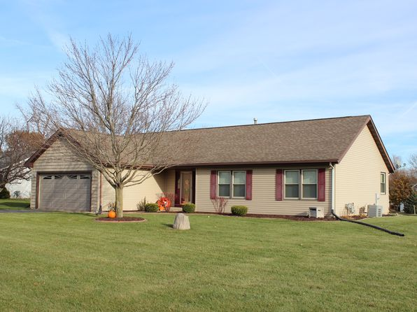 3 bed 2 bath Single Family at 1102 Edgerow Ln Rockford, IL, 61102 is for sale at 160k - 1 of 18