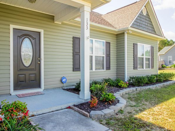 3 bed 2 bath Single Family at 133 FALLBROOK LN ROCKY POINT, NC, 28457 is for sale at 200k - 1 of 6