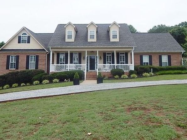 3 bed 3 bath Single Family at 8041 Deer Hill Cir Belews Creek, NC, 27009 is for sale at 369k - 1 of 35