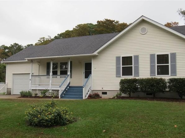 3 bed 2 bath Single Family at 109 Edgerton Ct Kitty Hawk, NC, 27949 is for sale at 272k - 1 of 13