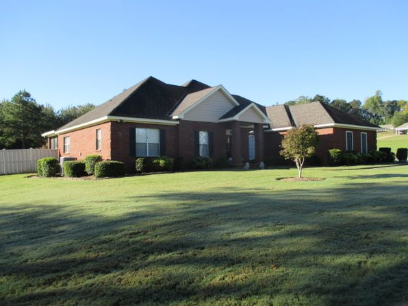 3 bed 3 bath Single Family at 4325 Ingram Rd Deatsville, AL, 36022 is for sale at 249k - 1 of 16