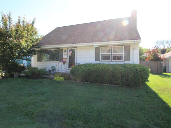 4 bed 2 bath Single Family at 921 7th Ave Grafton, WI, 53024 is for sale at 200k - 1 of 16