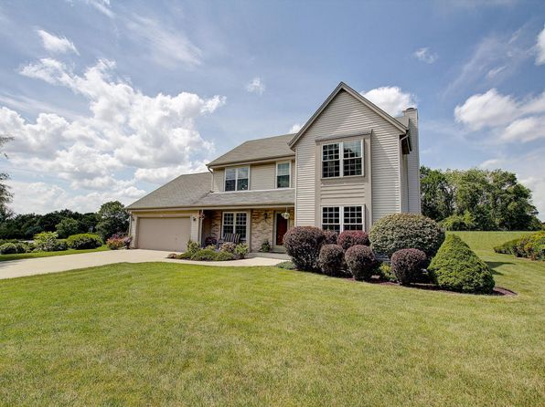 3 bed 4 bath Single Family at 1315 Apple Tree Ln Brookfield, WI, 53005 is for sale at 375k - 1 of 24