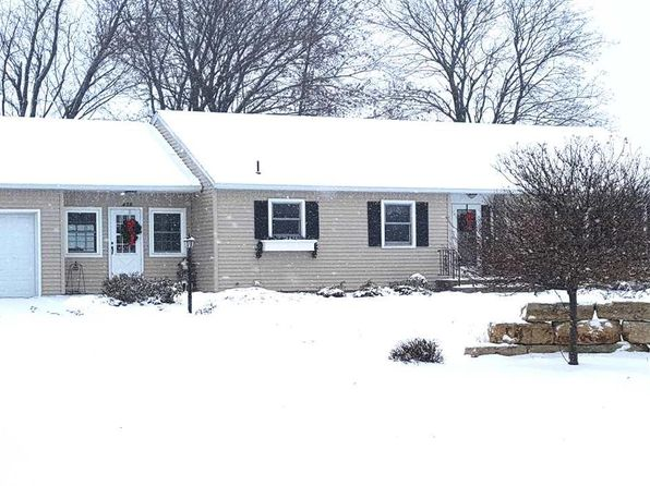 2 bed 2 bath Single Family at 428 N Freedom St Lena, IL, 61048 is for sale at 140k - 1 of 21