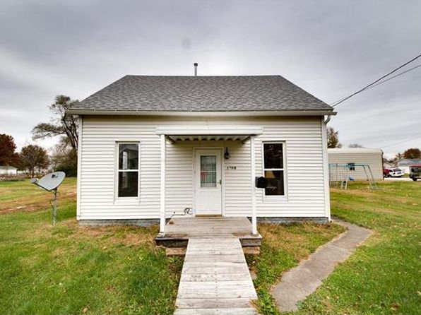 1 bed 1 bath Single Family at 1008 Locust St Carrollton, IL, 62016 is for sale at 37k - 1 of 19