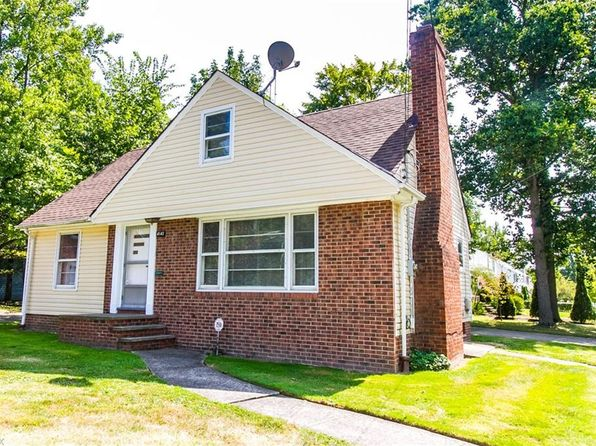 4 bed 2 bath Single Family at 4142 Bluestone Rd Cleveland, OH, 44121 is for sale at 125k - 1 of 22