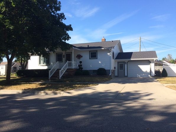 3 bed 2 bath Single Family at 103 E Baldwin St Alpena, MI, 49707 is for sale at 150k - 1 of 36