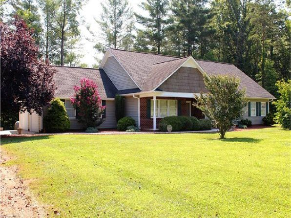 3 bed 3 bath Single Family at 894 Carson Rd Pilot Mountain, NC, 27041 is for sale at 255k - 1 of 10