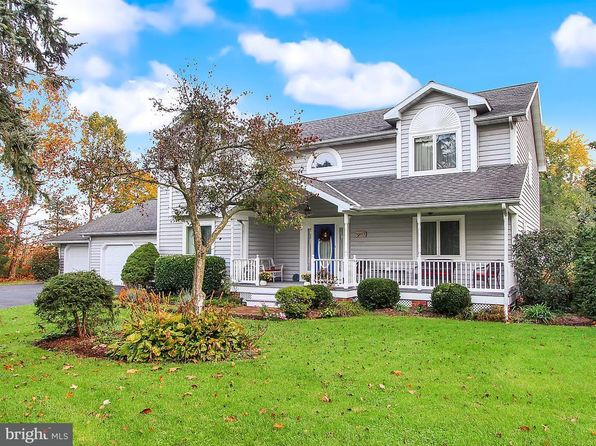 3 bed 3 bath Single Family at 1036 Greenbriar Rd York, PA, 17404 is for sale at 320k - 1 of 28