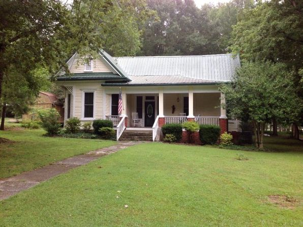 3 bed 2 bath Single Family at 13200 Paris St Huntingdon, TN, 38344 is for sale at 100k - google static map