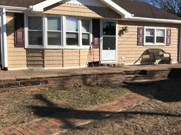 3 bed 2 bath Single Family at 129 Pine Needle Dr Toms River, NJ, 08753 is for sale at 248k - 1 of 31